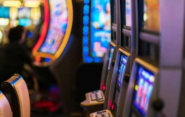 What Can Online Casinos Teach Us About Branding?