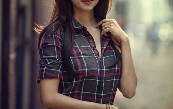 Spend a Lovely Night with Karachi Escorts